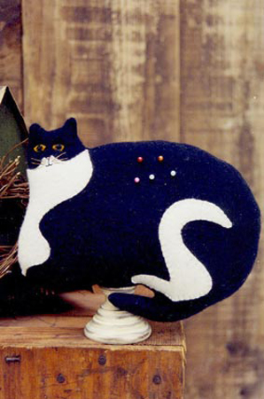"""SPADE"" (Jellicle Cat) WOOL PIN CUSHION"